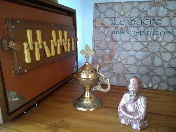 instrument bourdon, encensoir de Notre-Dame-du-Puy et derviche veilleur
